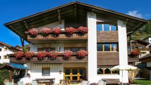Wintersport - Ski - Chalet Mont Blanc - Santa Cristina - Dolomiti Superski - Italië