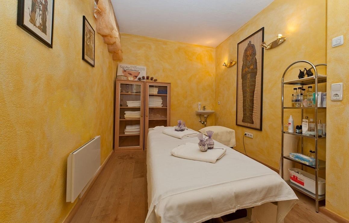activ sunny hotel sonne in kirchberg boeken summit travel. Black Bedroom Furniture Sets. Home Design Ideas