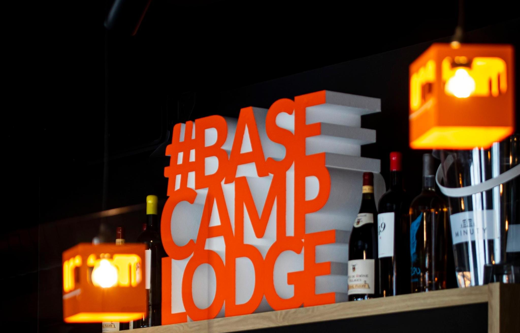 Meer info over Base Camp Lodge Hotel  bij Summittravel